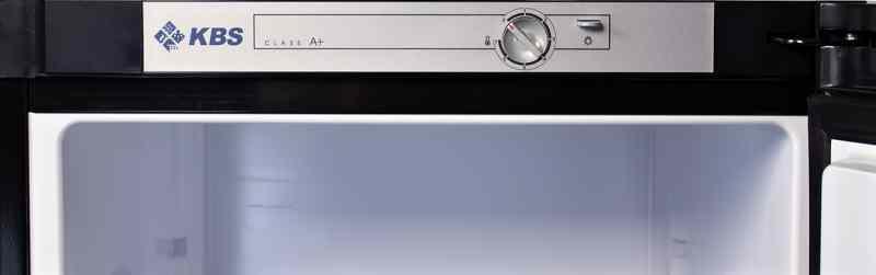 K310 Energiesparkühlschrank in schwarz 1
